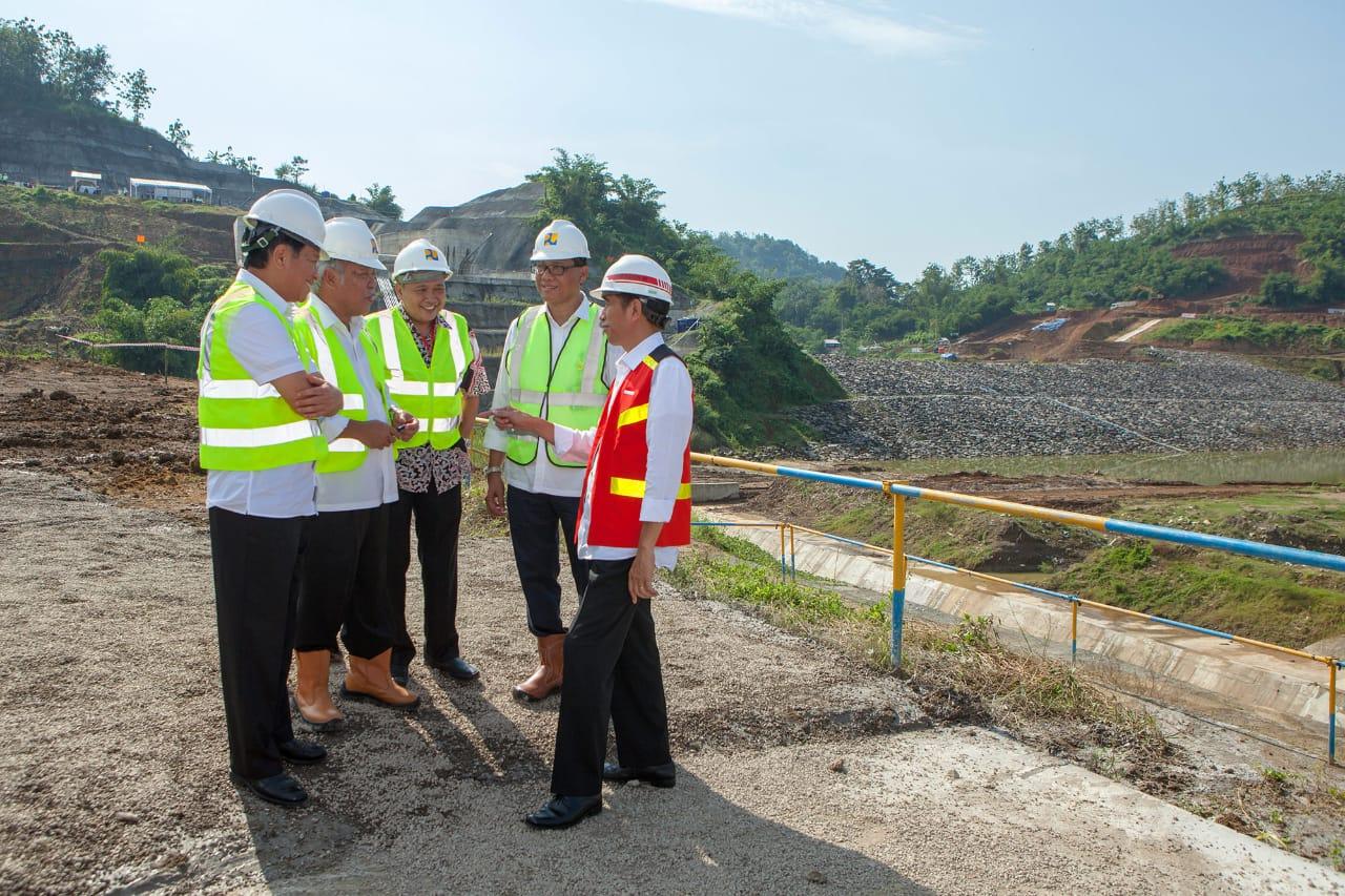 Jokowi Tinjau Pembangunan Terowongan Pengendali Banjir di Bandung Selatan