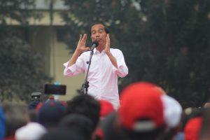 Didepan Relawan Buruh, Jokowi Ingatkan Kerukunan,  Jaga Ukhuwah Islamiyah dan Wathoniyah