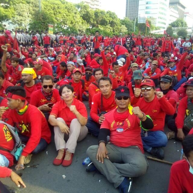 May Day, Puluhan Ribu Buruh di Jabar Bergerak Tuntut PP 78 tentang Pengupahan