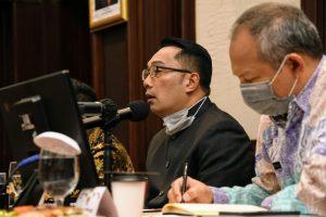 Kang Emil Ajak Warga Buat Masker Kain Sendiri