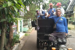 Nasi Merah Putih Gratis untuk Warga Miskin di Bandung