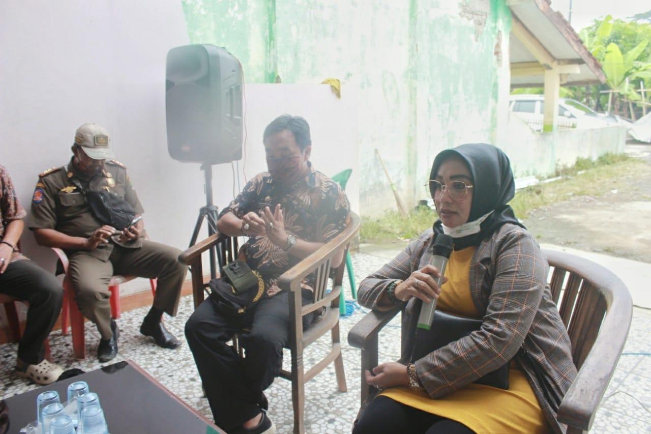 Reses di Karawang,  Sri Rahayu Agustina Banyak Terima Keluhan Kelangkaan Pupuk Bersubsidi