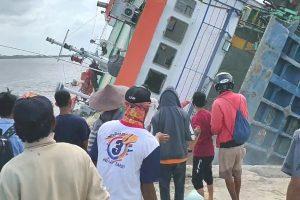 Kapal Feri KM Beli Terbalik, Alhamdulilah Tidak Ada Korban Jiwa