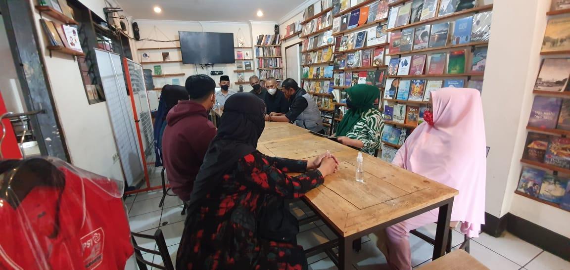 Ijazah 60 Siswa di Bandung Ditahan karena Menunggak Biaya Sekolah