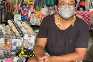 Isa Bajaj Curhat Enggak Punya Celana Merah Pas Pertama Masuk SD